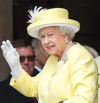 Queen Elizabeth II hat keinen Kleiderschrank