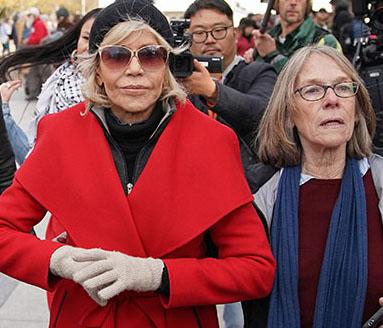 Jane Fonda: Keine neue Kleidung mehr