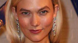 Karlie Kloss liebt gute Feuchtigkeitscremes